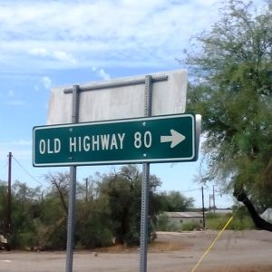 Helpful State-Sponsored Sign for Old Highway 80